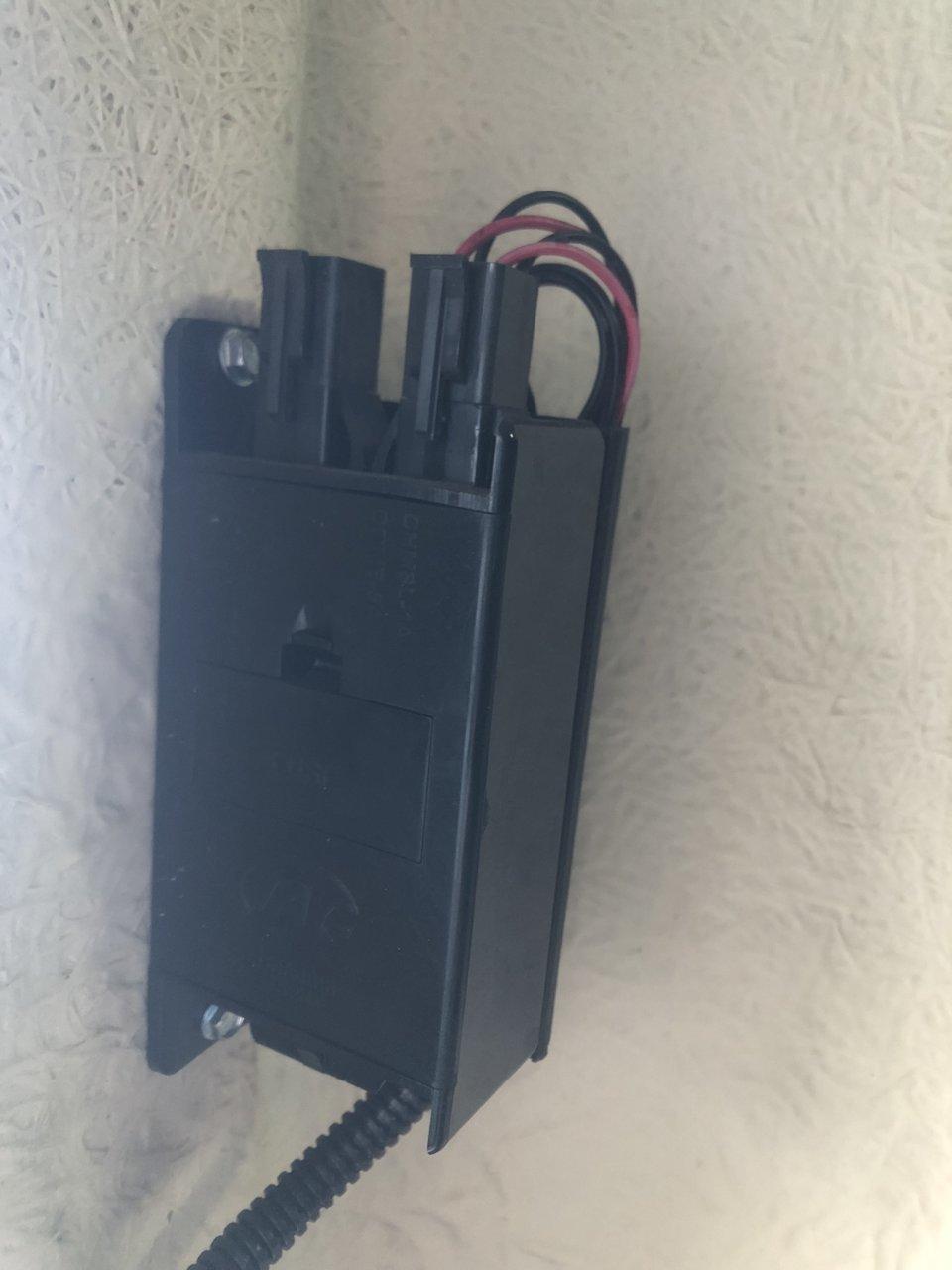 Truck Cap Topper Leer ARE CENTURY Smoke Lens Black Housing LED 3rd Third Brake Light lamp AT-LED-36R