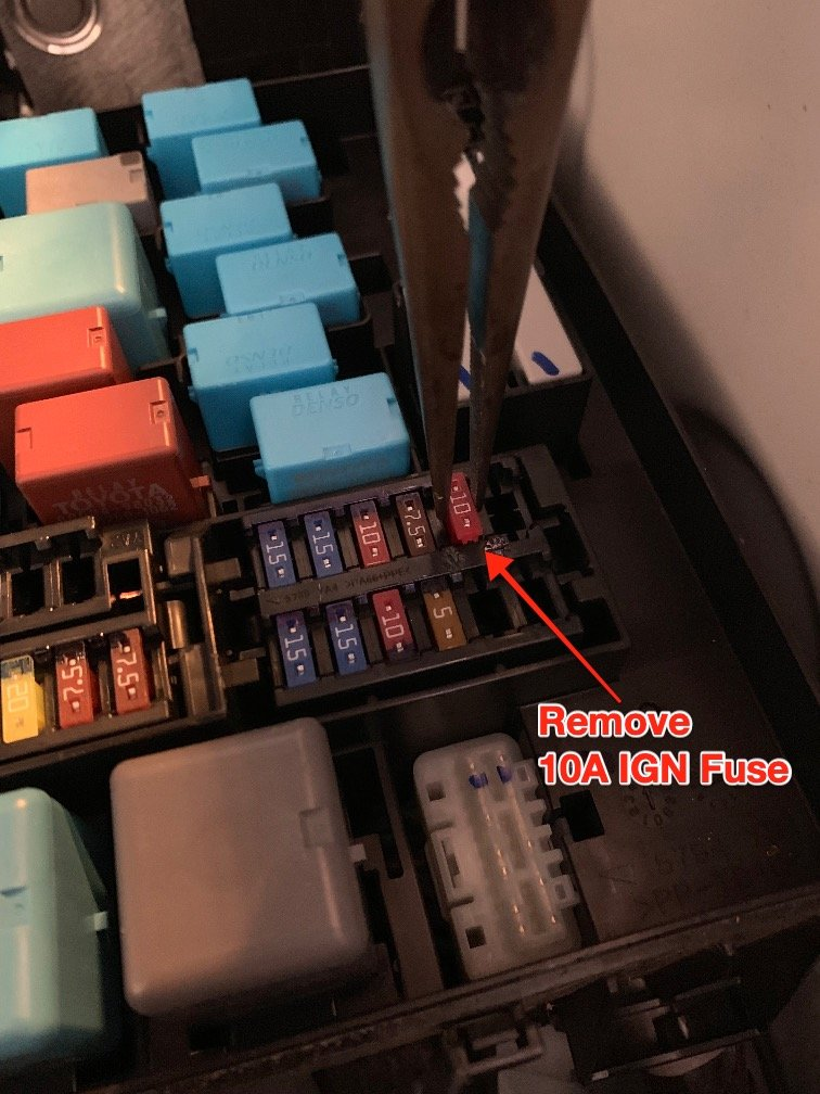 10A FUSE REMOVAL.jpg