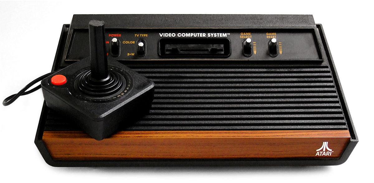 1200px-Atari2600a.jpg