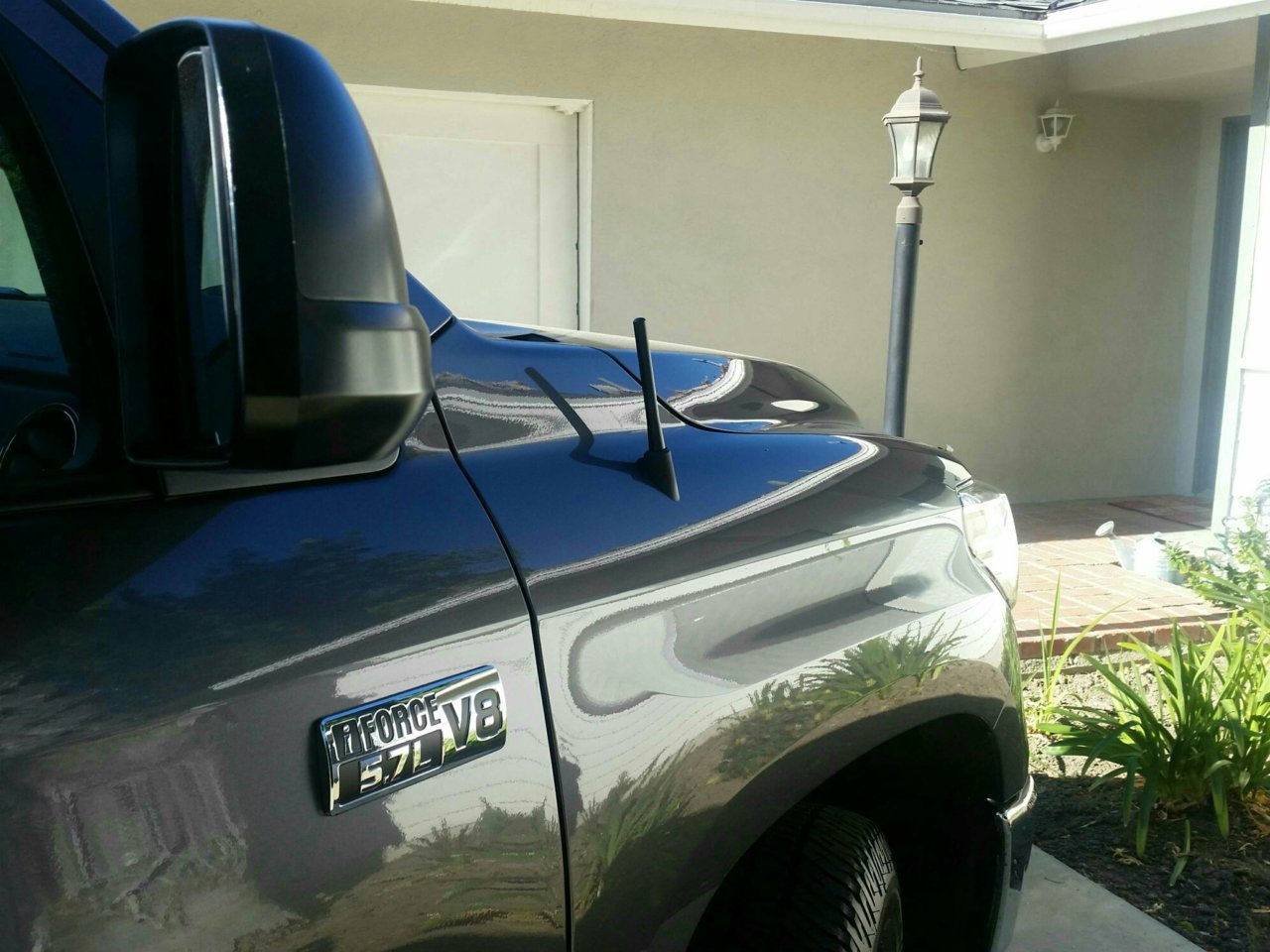 To stubby antenna or not to stubby antenna? | Toyota Tundra