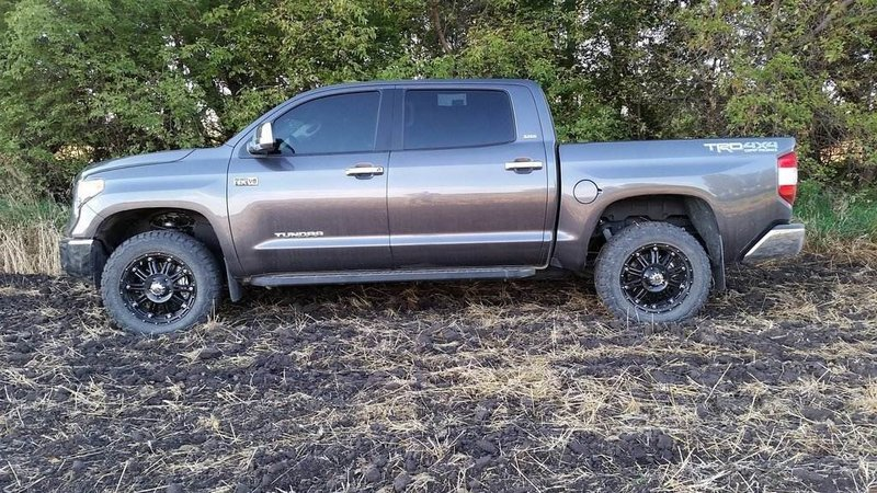 3rd Gen NO LIFT w/OVER SIZE tires | Toyota Tundra Forum