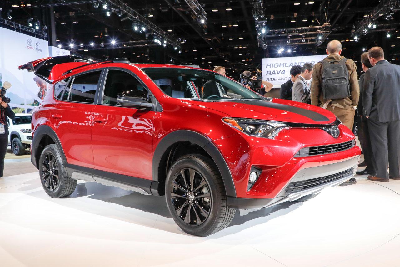 2018-Toyota-RAV4-Adventure-front-three-q_d3b6726ff3679e700c60c9e7af0b9cbb62d7f7a8.jpg