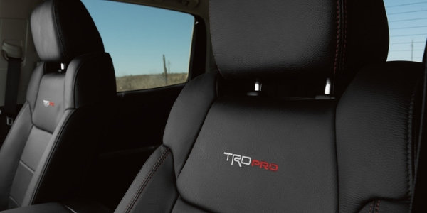 2019-Toyota-Tundra-with-TRD-PRO-Leather-in-Black-with-Red-Accent-Stitching_o.jpg
