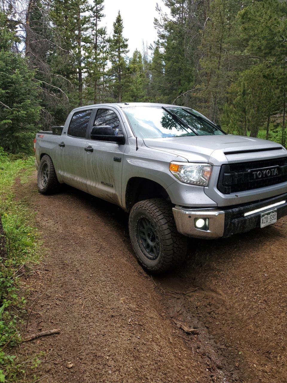 Toyota Tundra 2 5'' Shocks from Elka Suspension | Toyota