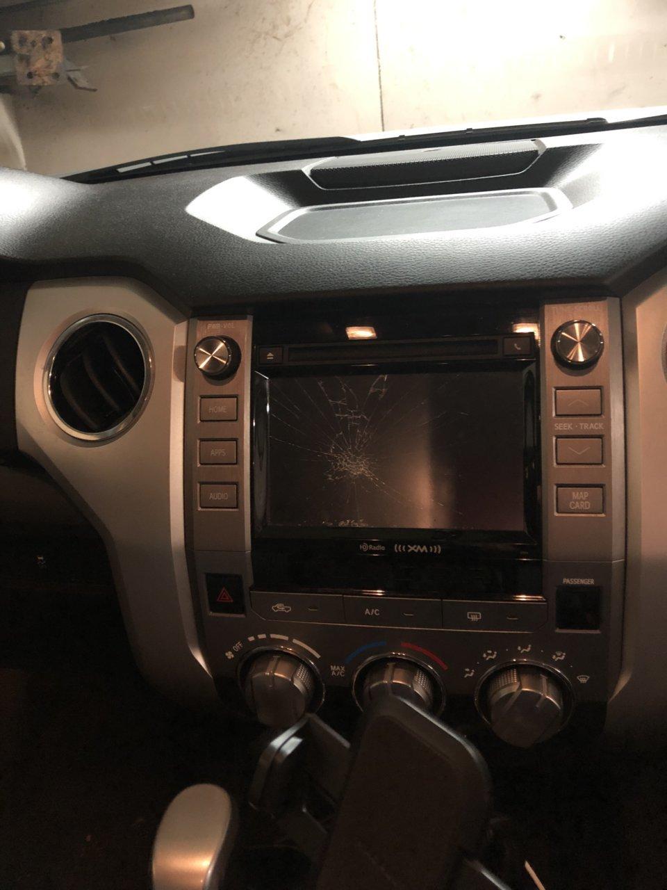Radio replacement screen  | Toyota Tundra Forum