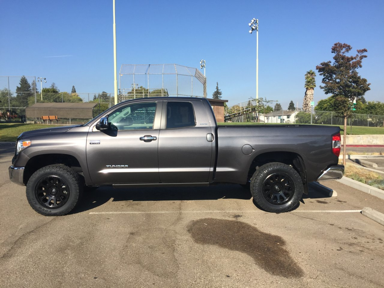 Leveled before and after pic   Toyota Tundra Forum