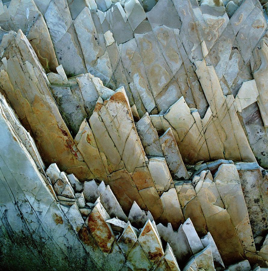 jagged-rocks-micha-pawlitzki.jpg