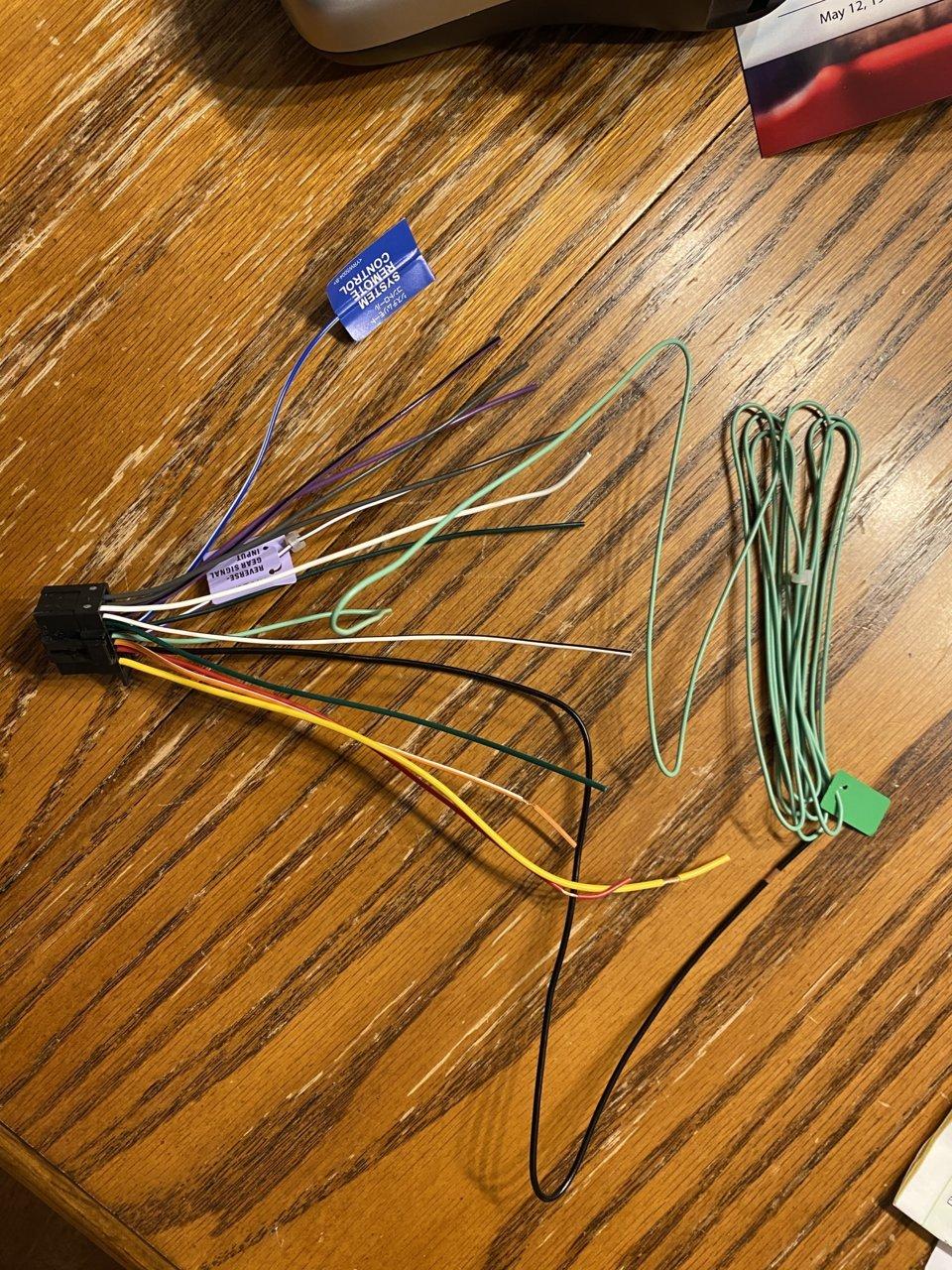 Pioneer Factory New HU connector.jpg