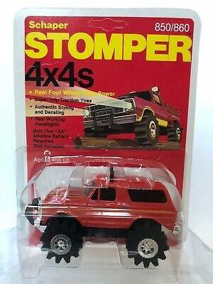 schaper-stomper-4x4-vintage-red-ford-bronco-moc.jpg