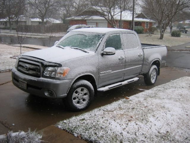 Snow_in_Texas_3_e88d184555ae786f475cc7f6977ac6b0e7cc415e.jpg