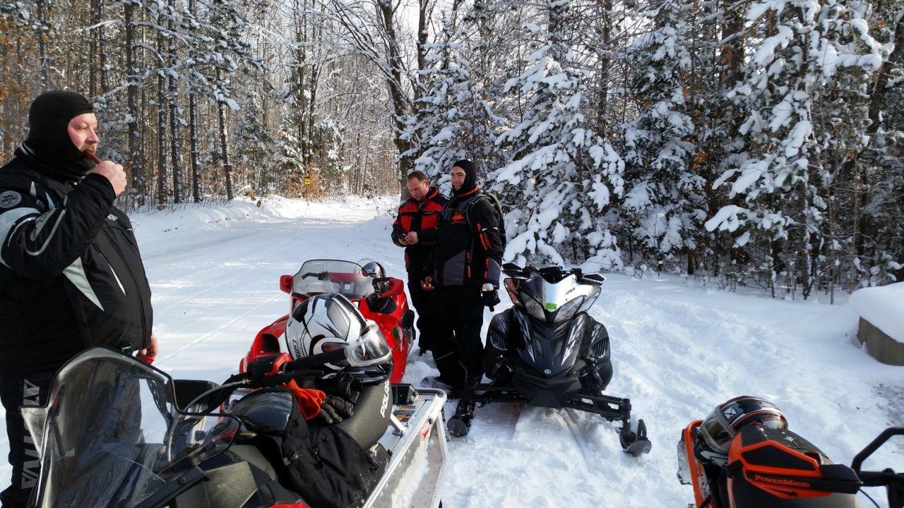snowmobile 1.jpg