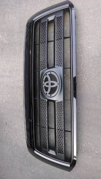 Tundra black out grill.jpg