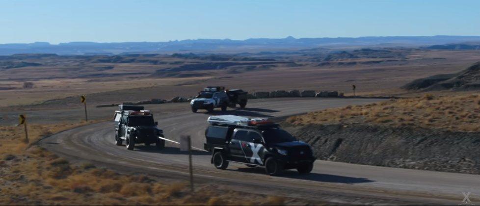 Tundra-tow-Jeep.jpg