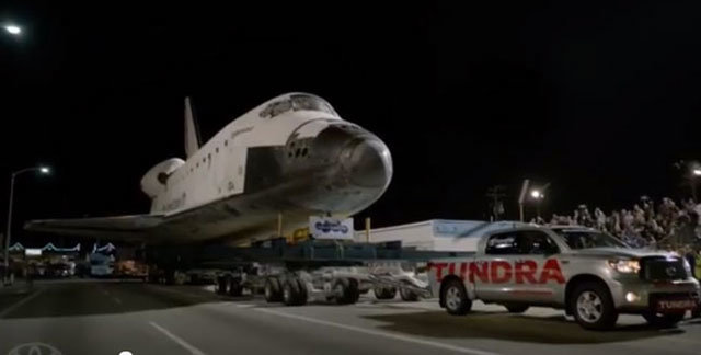 Tundra-tows-space-shuttle.jpg