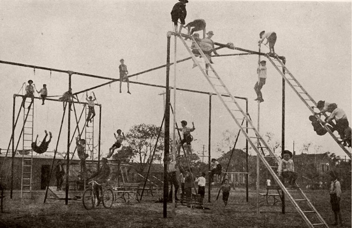 vintage-early-20th-century-kids-playgrounds-01.jpg