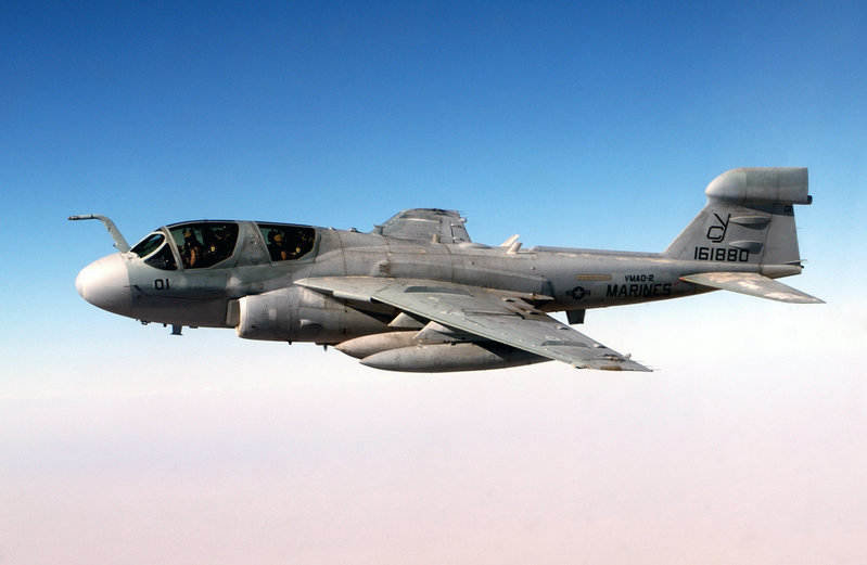 VMAQ-2_jet_over_Iraq_in_2004.jpg